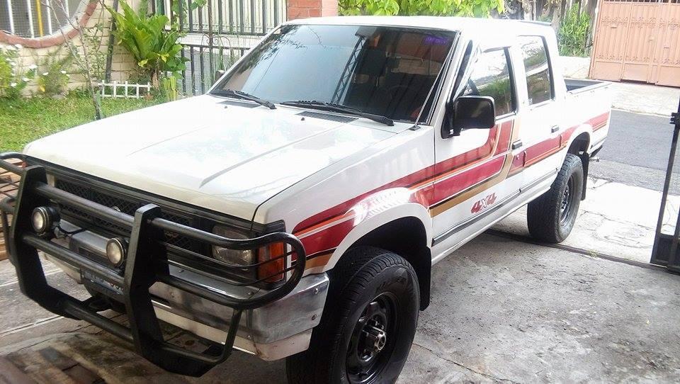 Se Vende Pick Up Nissan Td27 4x4 De Agencia Carros En