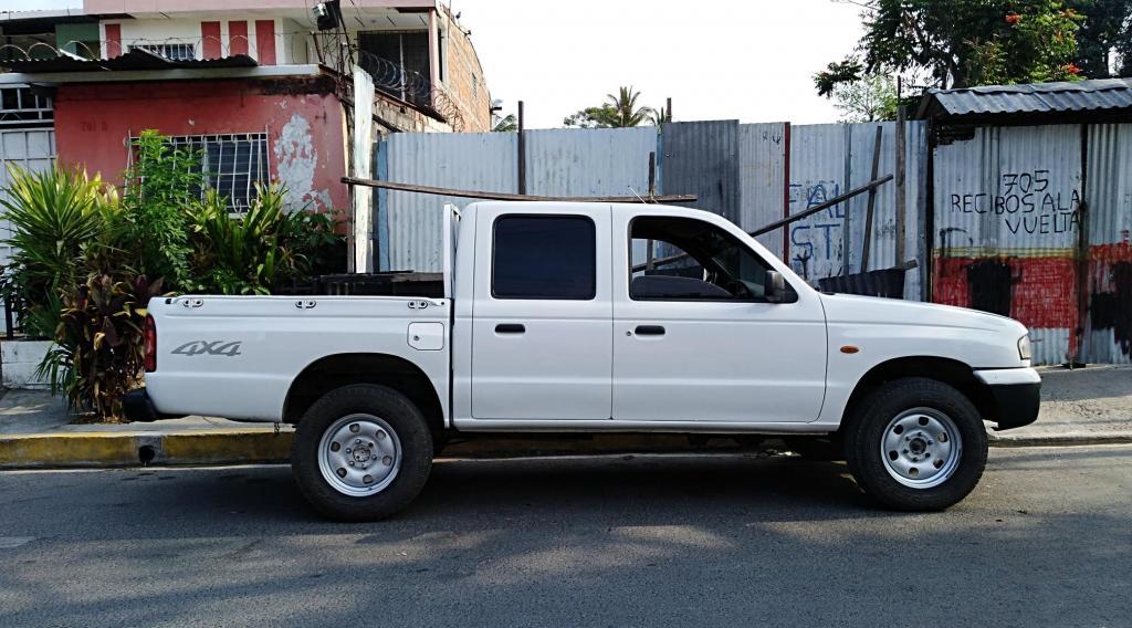 B2900 4×4 Diesel Mazda – Carros en Venta San Salvador El