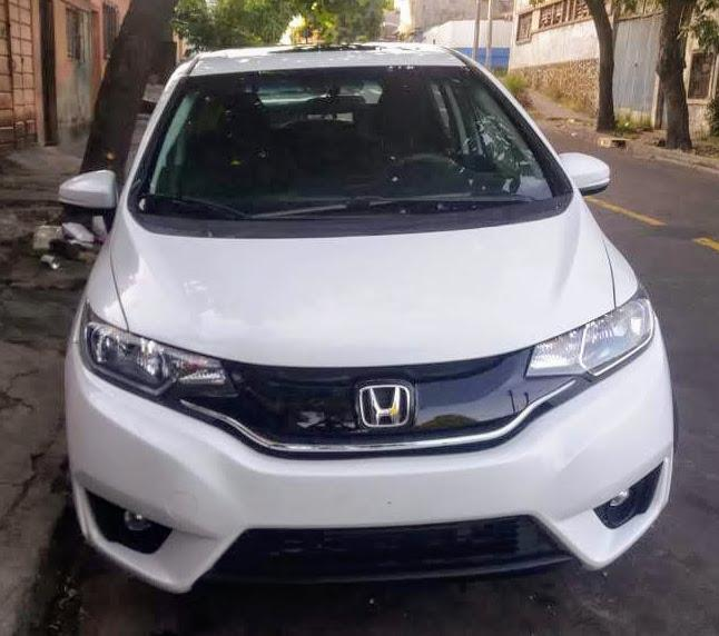 Honda Fit 2015 EX. Toyota Nissan Yaris Civic Mirage