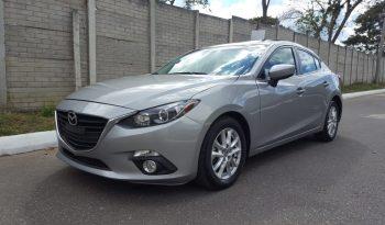 Mazda Mazda3 2014 usado ubicado en Guatemala - Motor 2.0 SkyActiv (155hp) - Transmisión Automática DRIVE de 6 velocidades + retroceso - Vidrios eléctricos - Retrovisores eléctricos - Sunroof - Aire Acondicionado - Timón asistido electrónicamente