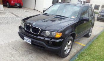 BMW X5 2001 usada ubicad en Carretera a El Salvador Nunca chocada, en perfecto estado, motor 3.0 de 6 cilindros AWD, bolsas de aire intactas, radio caja 5 cd, sun roof, aire al 100%, llantas en buen estado al 80%, tapicería de cuero nitida, mandos al timón, aros originales. Recién ingresada, traspaso obligatorio. Cel 3165-3432.