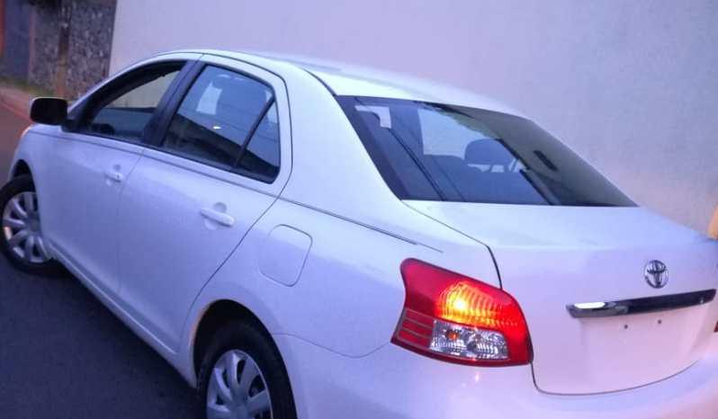 Vendo Toyota Yaris 2010, cuenta con su programa inicial de Manufactura, 8 bolsas de aire (Curtain AirBag) un motor economico con capacidad de 1,500 Cc Vvti, Radio Bluetooth, Aux y USB, llantas al 100% Frenos ABS en las 4 Ruedas y Sistema de AntiDerrape,