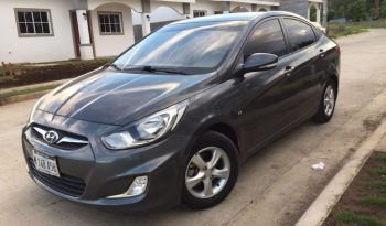 Usados: Hyundai Accent 2012 en Managua lleno