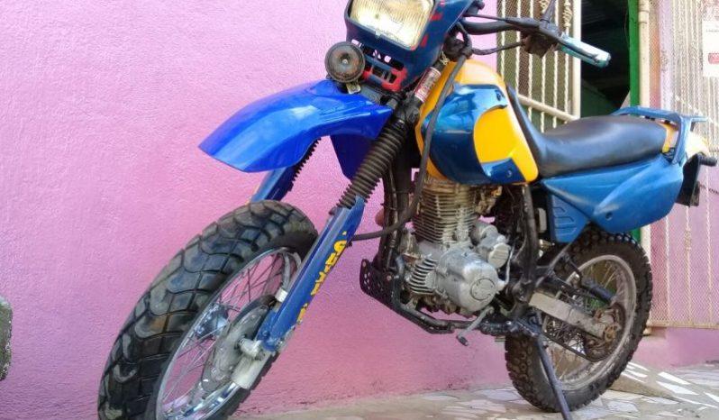 Vendo Moto Montañera 200 CC marca hartford, año 2005. Documentos en regla y seguro vigente. Llamar a los # 77182440 mov, 58812860 claro y Whatsapp, 22509789. $ 550 Negociable.