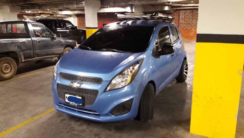 Chevrolet Spark 2014 usado en Nicaragua SUPER Ganga $7300us precioso y poderoso Chevrolet Spark 2014 Azul Metalico mecanico FULL EXTRAS rines de lujo nuevos, llantas nuevas anchas y perfil bajo, canastera, forro de asientos, alarma, cierre central y muchas mas, nitido sin rayones, nunca chocado, esta practicamente nuevo, huele a nuevo.