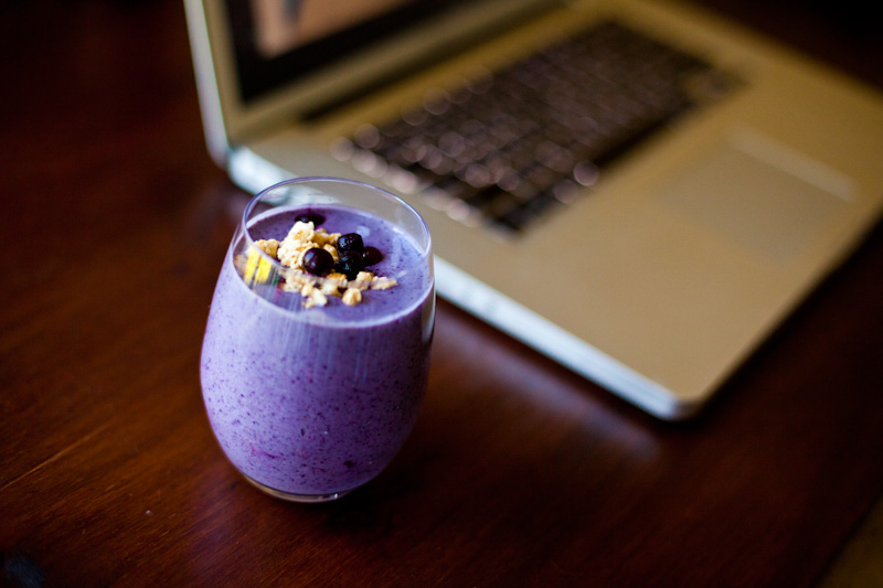 The ULTIMATE Smoothie Recipe | Raw Vegan Blueberry Cobbler Smoothie | Healthy, fast and delicious