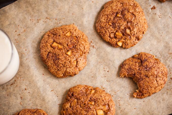 DELICIOUS Apple Pie Snickerdoodles - Vegan, Refined Sugar-free, Kid-friendly Healthy Cookie Recipe