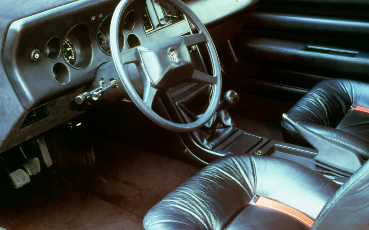1980_Ghia_Ford_Mustang_RSX_Interior_01