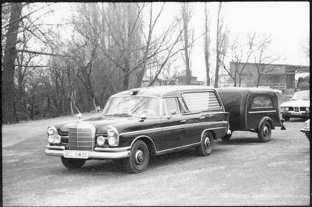 Mercedes Leichenwagen