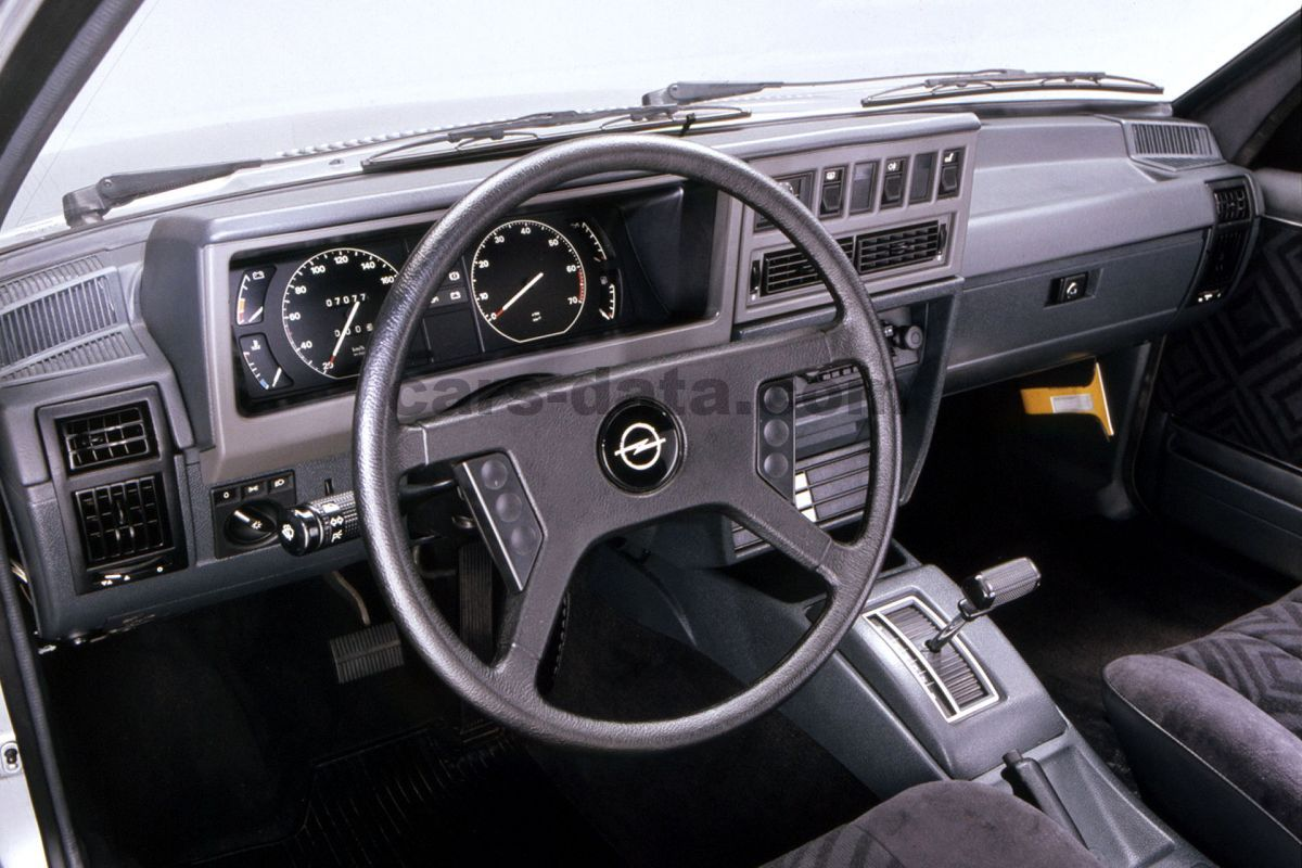 Opel Rekord 1984 Pictures 1 Of 10