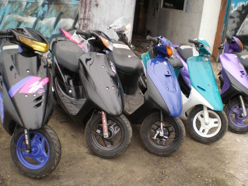 Ever since the honda civic entered the us market in 1973, both the hatchback or sedan models offered an automatic or a manual transmission. 2000 Honda DIO specs, Engine size 50cm3