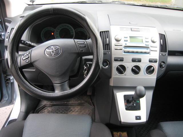 Toyota Corolla 2005 Interior