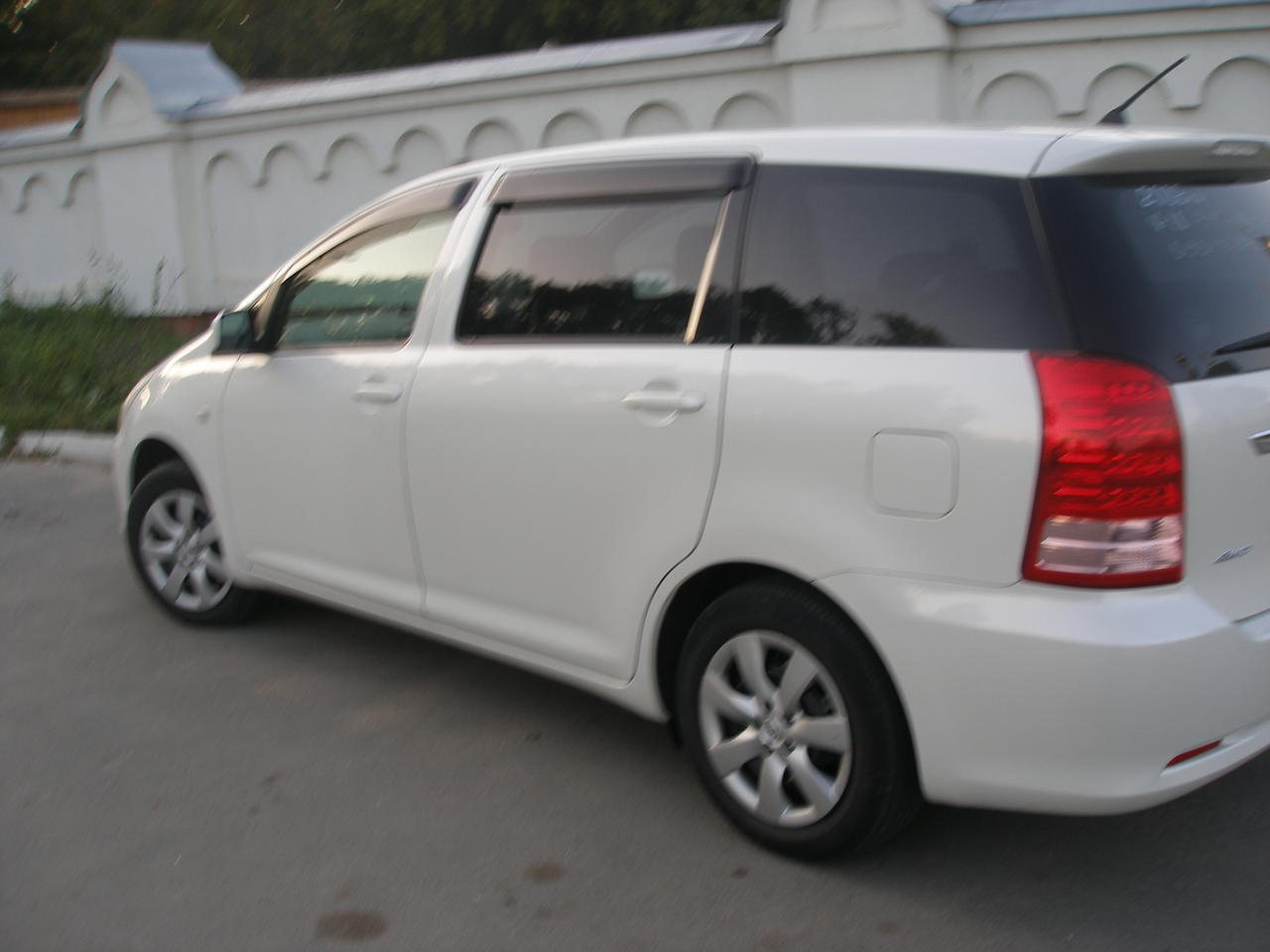 2006 Toyota WISH For Sale 1800cc Gasoline Automatic