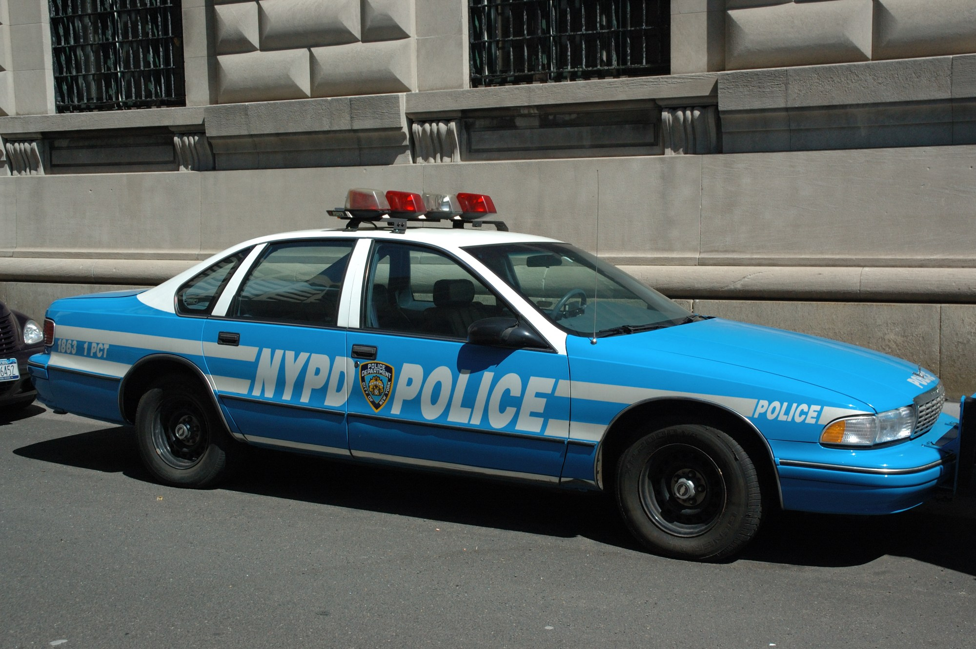 hight resolution of view photo of new york police department nypd chevrolet caprice 3 685kb
