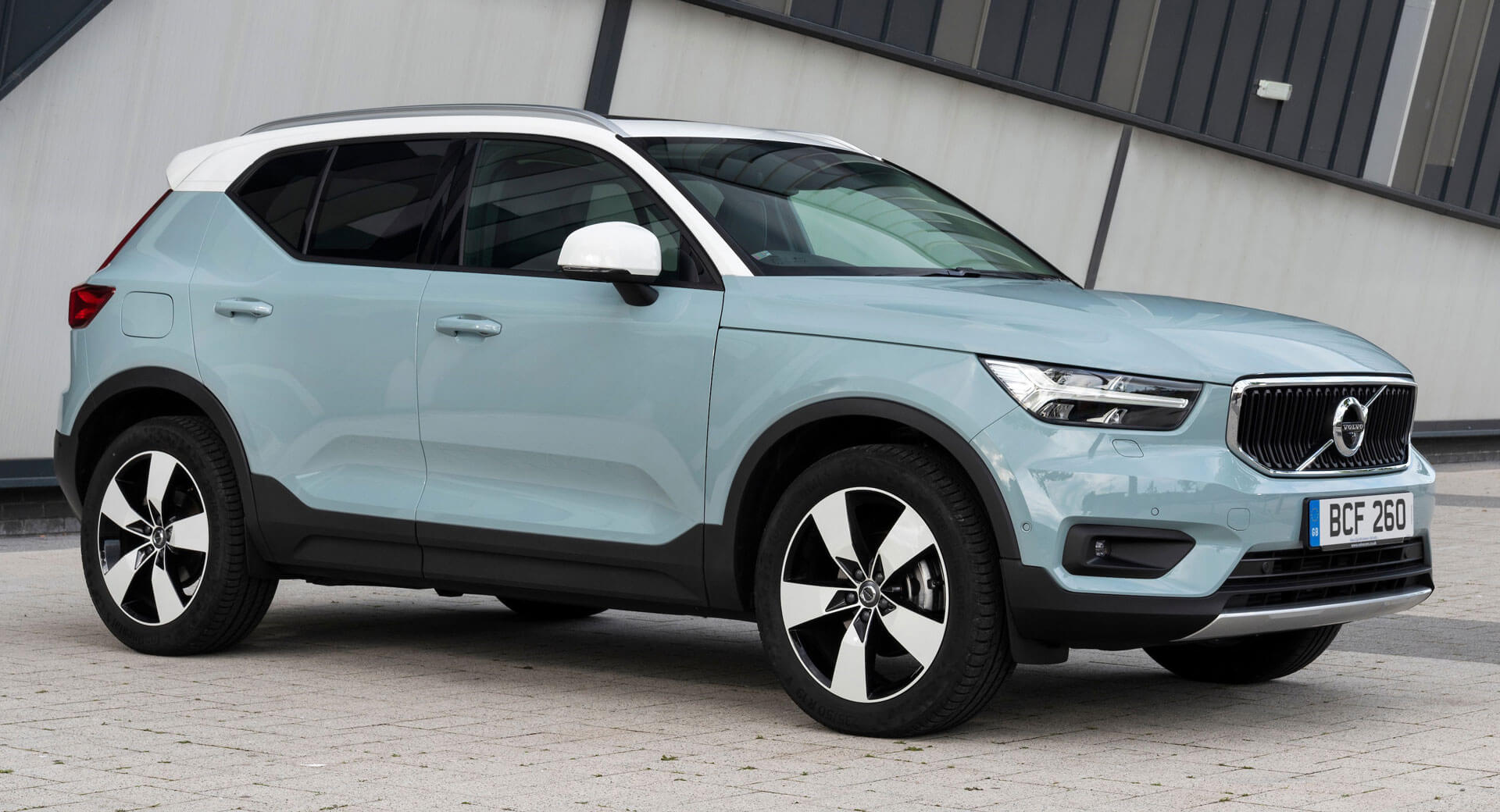 2020 Volvo XC40 Gets Upgraded Powertrains, New Gear And Colors   Carscoops