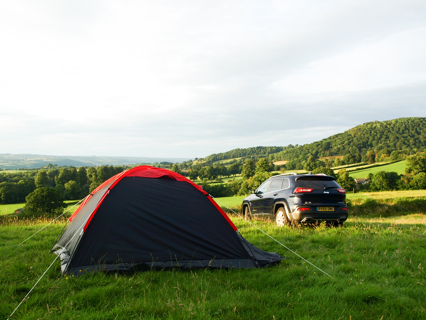 Camping in Wales with the Jeep Cherokee