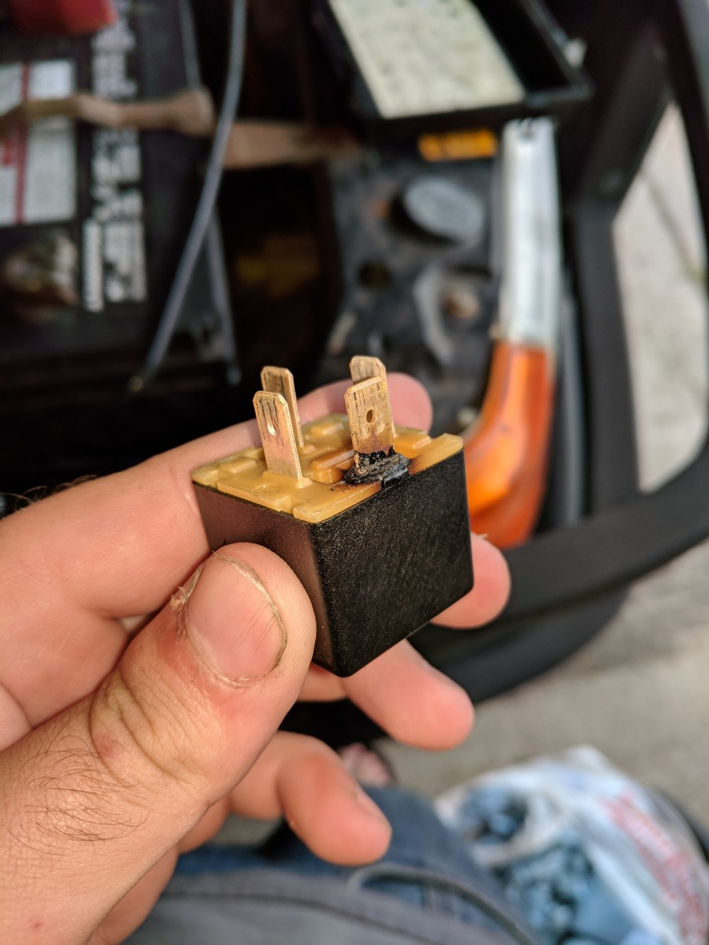 medium resolution of  fuses f34 and f43 and the fuse box by association this allegedly can happen if pollen filters become clogged or if there is a loose wire on the