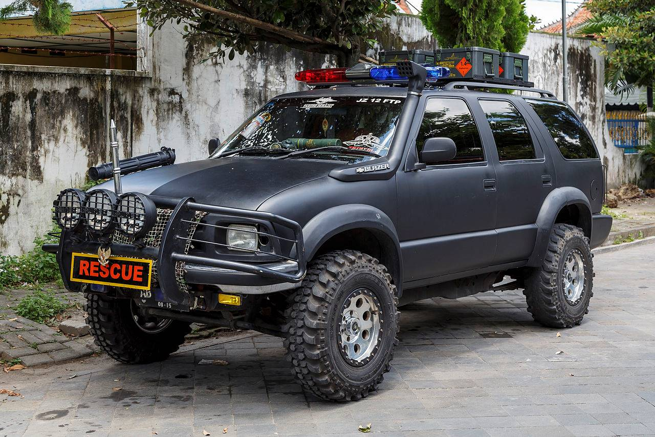 hight resolution of  chevy s10 blazer file yogyakarta indonesia chevrolet blazer rescue vehicle