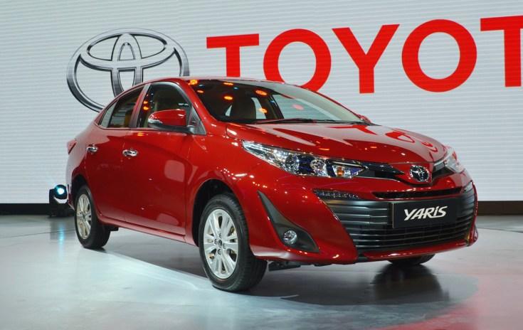 Toyota-Yaris-front-three-quarters-at-Auto-Expo-2018