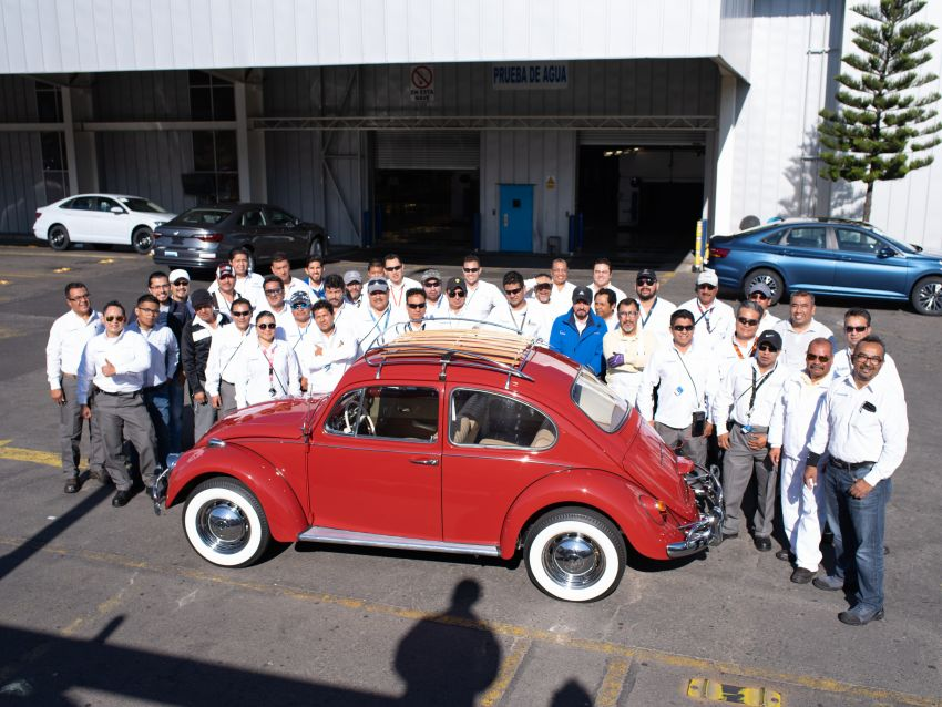 Volkswagen Restores 1966 Beetle for Its Original Owner Free of Cost