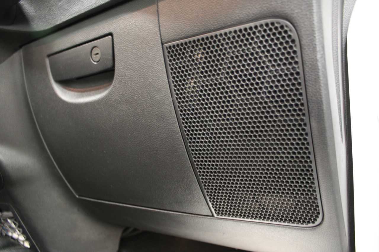 hight resolution of jeep front speakers