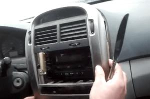 11 steps to replace 2005 20062010 KIA optima Radio | Car