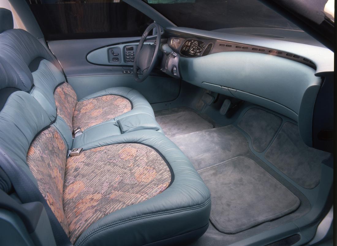 hight resolution of buick park avenue essence concept car 1989 interior