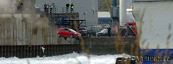 Top Gear firing a Renault Twingo in to the sea in Belfast