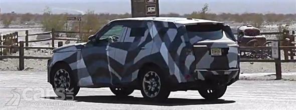 Land Rover testing 2014 Range Rover Sport in Mojave Desert image