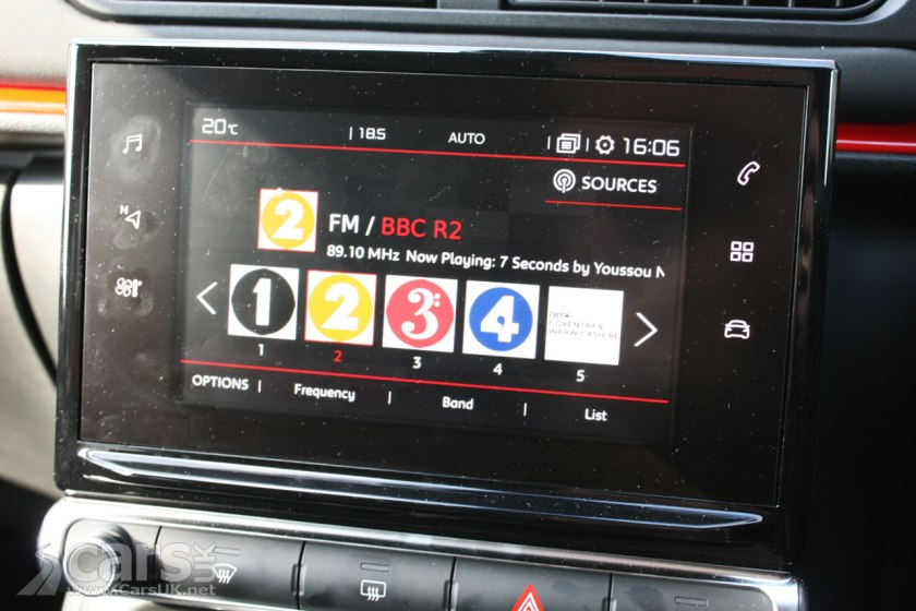 Photo Citroen C3 FLAIR BlueHDi 100 Infotainment