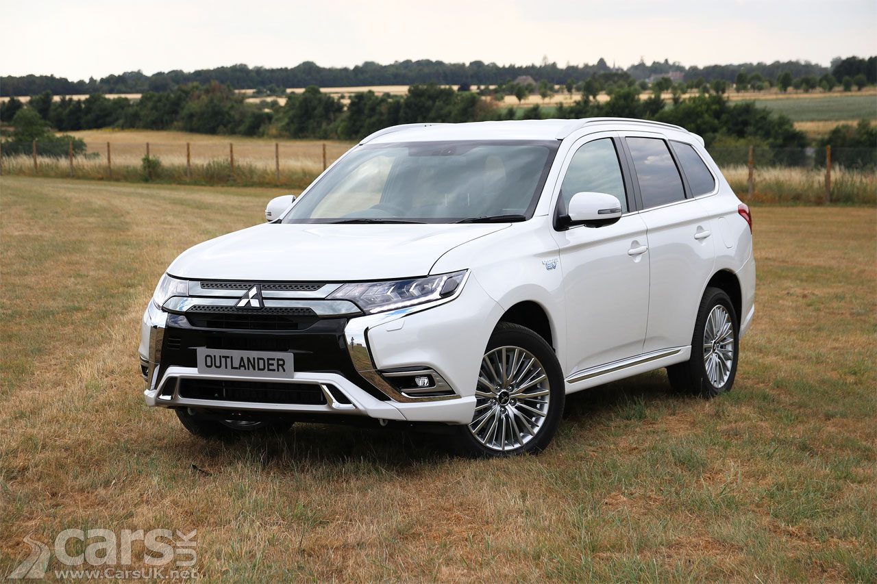 Mitsubishi Outlander Phev Gets An Open Goal As Other Car