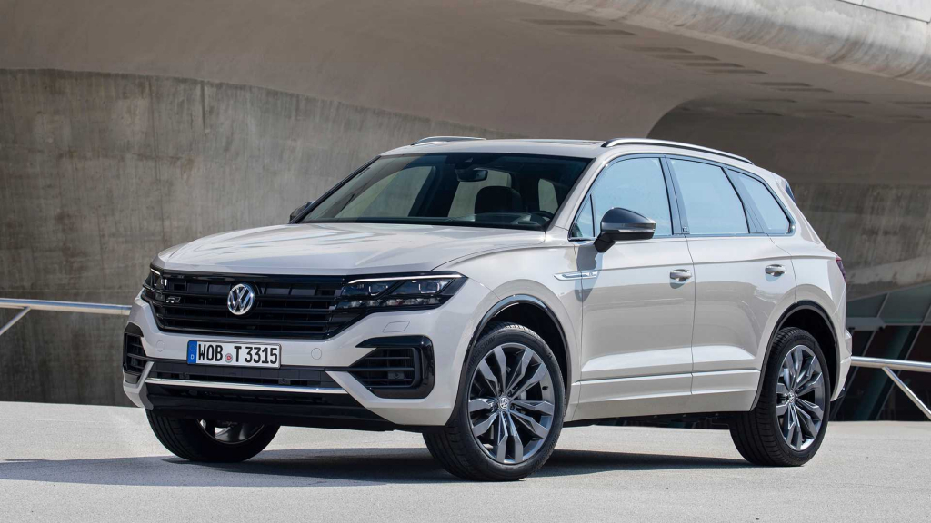 VW Touareg R Spy Photos
