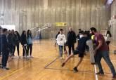 Visita jugadores Club de Rugby Universitario de Cartagena a Maristas del Programa ADE