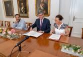 Firma del convenio de Repsol con La Mar de Músicas