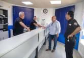 Visita de Torralba al Cuartel de la Policía Local en Cabo de Palos