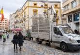 Instalación de las luces de Navidad por el centro de Cartagena