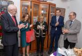 La Nazarena Mayor 2020, Manoli Borrego, con la alcaldesa y los Hermanos Mayores en su domicilio