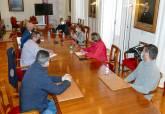 Reunión con representantes de los trabajadores de La Manga Club afectados por el ERE