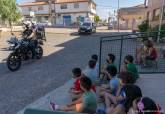 Homenaje de los alumnos del Colegio Poeta Antonio Oliver a la Policía Local