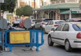 Valla de corte de tráfico en la calle Campos