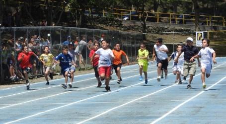 Niños y niñas correrán en su día