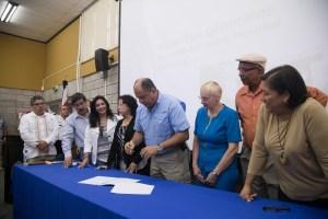El Poder Ejecutivo enviará un proyecto de ley para la desafección de una calle en el terreno donde se construirá el nuevo hospital de Turrialba. Foto: Casa Presidencial.