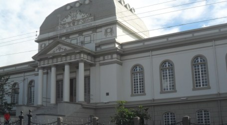 MEP suspende lecciones en todos los centros educativos del país