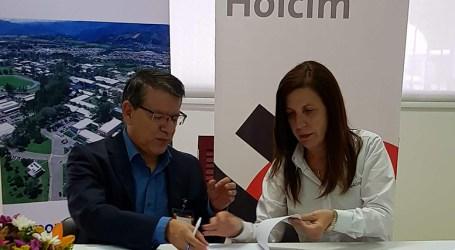 Holcim y el TEC firman convenio para promover desarrollo del país