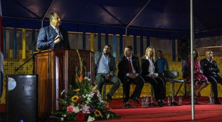 """Presidente Solís """"Queremos que a todos los empleados del Bancrédito se les pueda reubicar"""""""