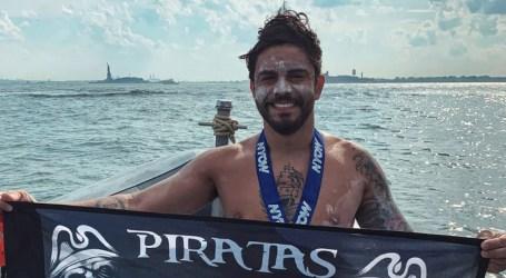 Nadador cartaginés superó prueba de 46 km en New York