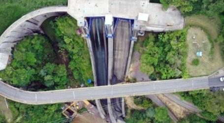 Paso en puente de represa de Cachí se habilitará solo para vehículos livianos
