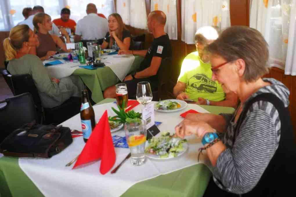Ausflug des CAR Teams Ferlach am 12. September 2020 mit Gleichmäßigkeitsprüfung anstelle des abgesagten sms-Classic-Sprints - Mittagsrast Gasthof Luggale, Henny Bucher