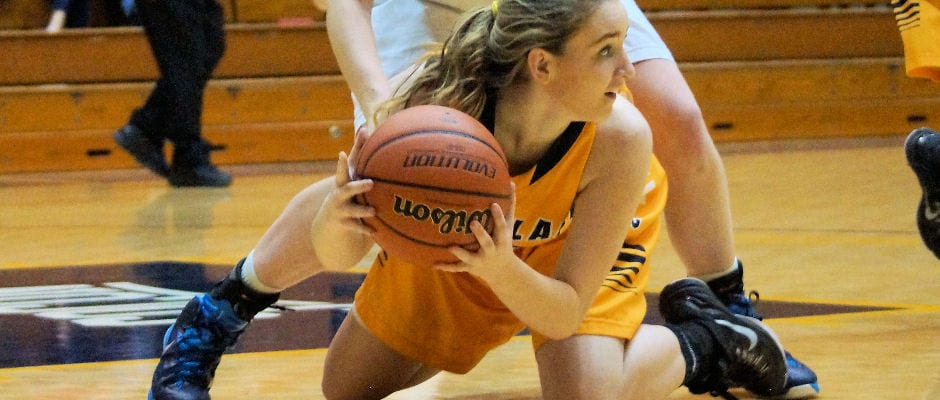 Cloudland girls fall at UH in upset