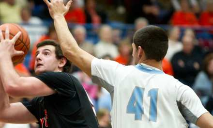 Elizabethton knocks off South for title
